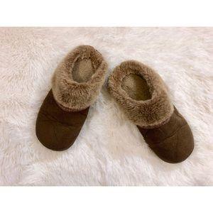 Isotoner Microsuede Hoodback Slippers